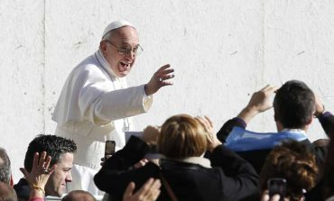 Pope begins ministry with biblical symbols