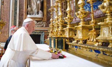 Pope Francis starts with prayer, bill paying