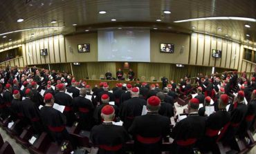 Cardinals begin pre-conclave meetings at Vatican