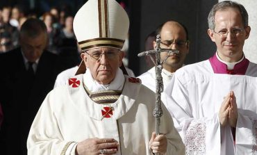 Pope calls for prayers for West, Texas