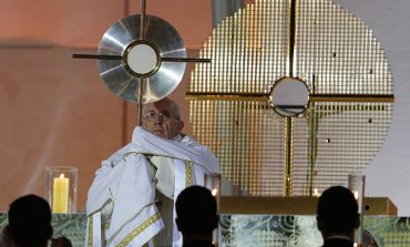 Pope to youth: Help us build up the church