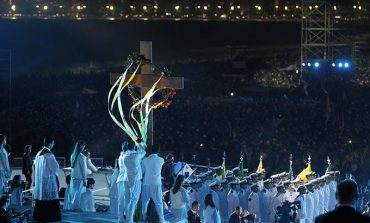 Pope prays Stations of the Cross with WYD youth
