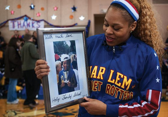 Alumna returns home as Harlem Globetrotter