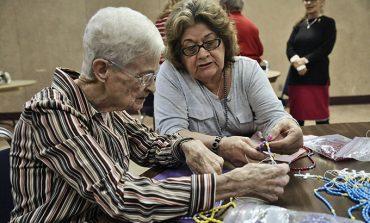 Parish donates more than 100,000 rosaries to Angola