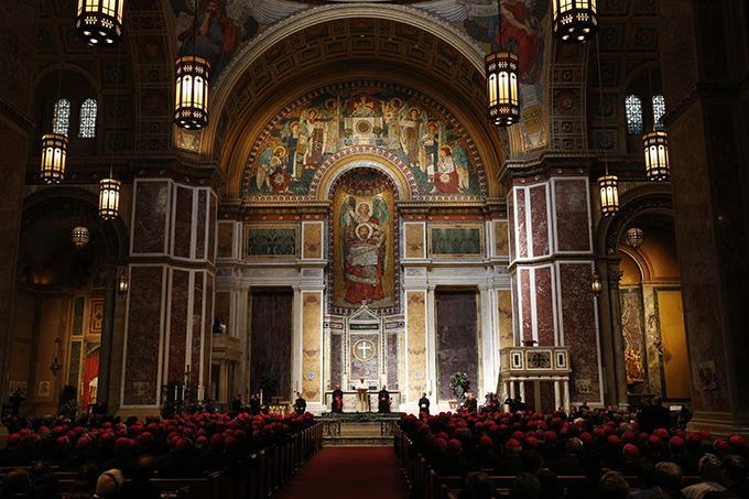 Pope Francis meets with U.S. bishops in the Cathedral of St. Matthew the Apostle in Washington Sept. 23. (CNS photo/Paul Haring)