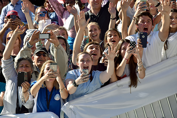 Young people cheer as Pope Francis arrives to celebrate Mass and the canonization of Junipero Serra outside the Basilica of the National Shrine of the Immaculate Conception in Washington Sept. 23. (CNS photo/Matthew Barrick)