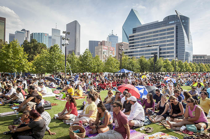People set on the lawn during the televised Mass celebrated by Pope Francis from Philadelphia and shown at Dallas' Klyde Warren Park on Sept. 27. (Ron Heflin/Special Contributor)