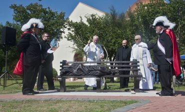 Coppell parish unveils 'Homeless Jesus' sculpture