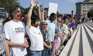 Regulations on Texas abortion clinics struck down
