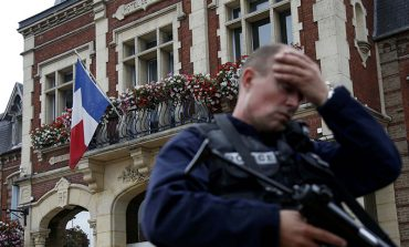 Pope expresses shock over violence in French church
