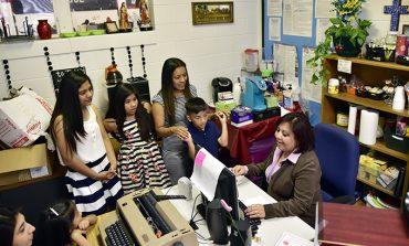Acercando familias a la educación católica