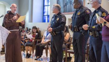 Hundreds meet to discuss immigration, parish ID card