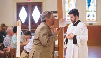 Father Esposito: Victory narrated through psalm and cross