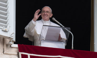Pope Francis: Imitate God by being merciful to others