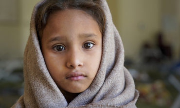 Padres migrantes y la agonía de criar hijos con futuro