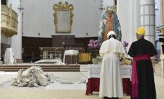 Don't let quake shake your hope, pope tells earthquake survivors