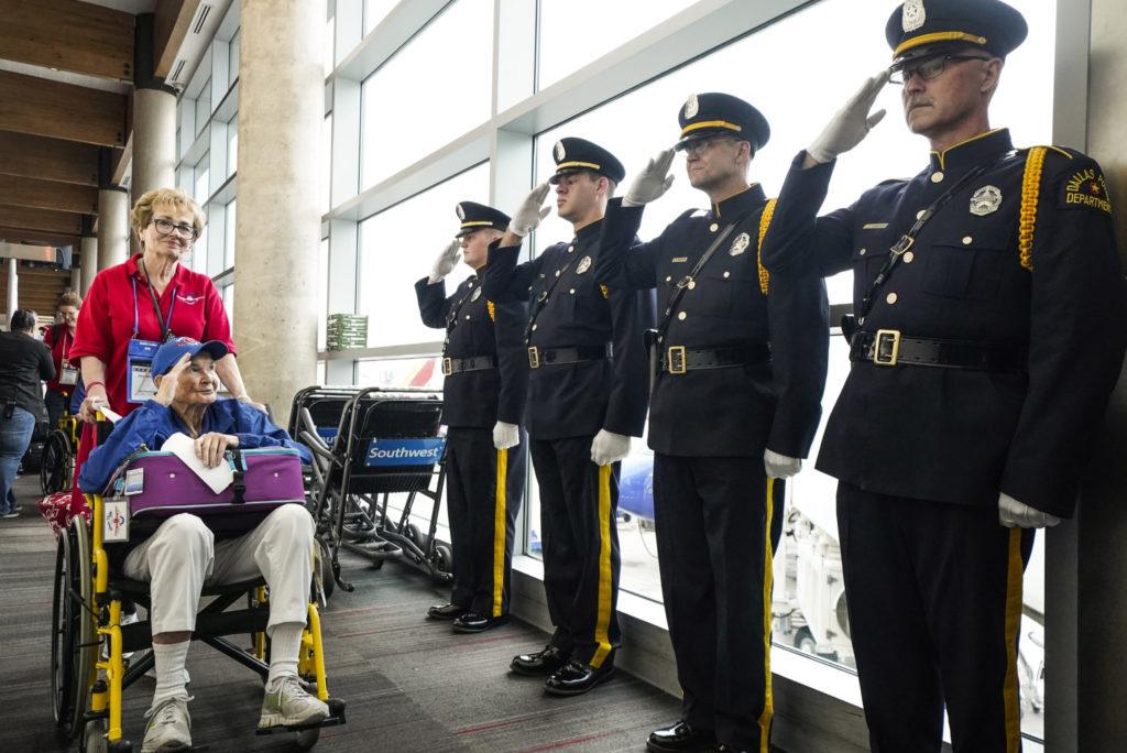 Honor Flight DFW thanks heroes