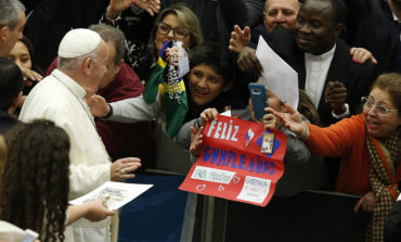Set up a Nativity scene, pray there before Christmas, pope suggests