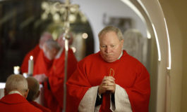 Pope Francis urges bishops to teach discernment