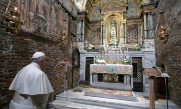 Thanking God for his gifts brings joy, pope says on Marian feast day