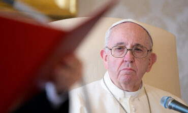 At audience, pope renews commitment to fight abuse