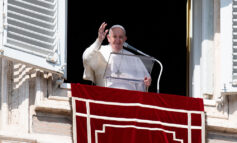 Fight temptation with faith, prayer, penance, pope says at Angelus