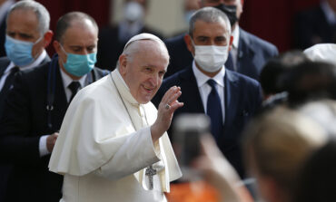 Pope, at audience with public present, talks about the power of prayer