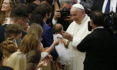 Jesus, the source of truth, sets people free, pope says at audience